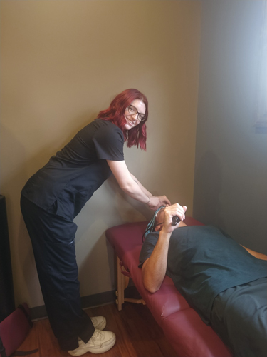 Chiropractic Erie PA Treatment at Iadeluca Chiropractic